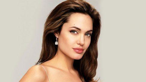 День рождения Анджелины Джоли